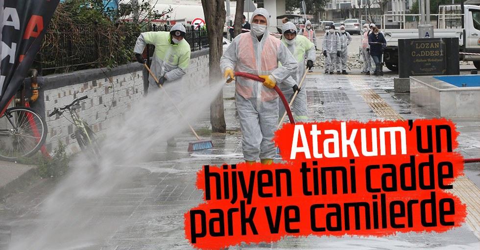 Atakum'un hijyen timi cadde, park ve camilerde