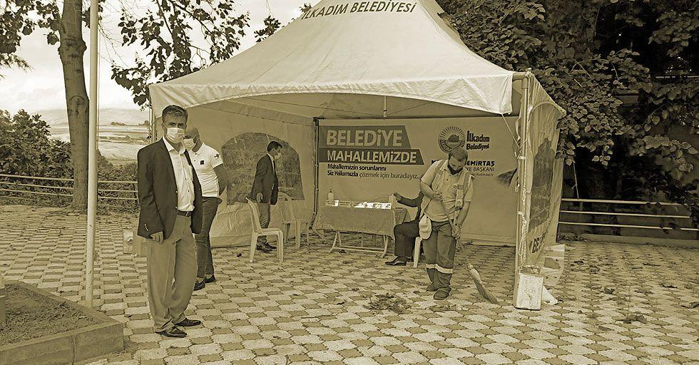 Belediye Hizmet Çadırı Halkın Yoğun İlgisiyle Devam Ediyor
