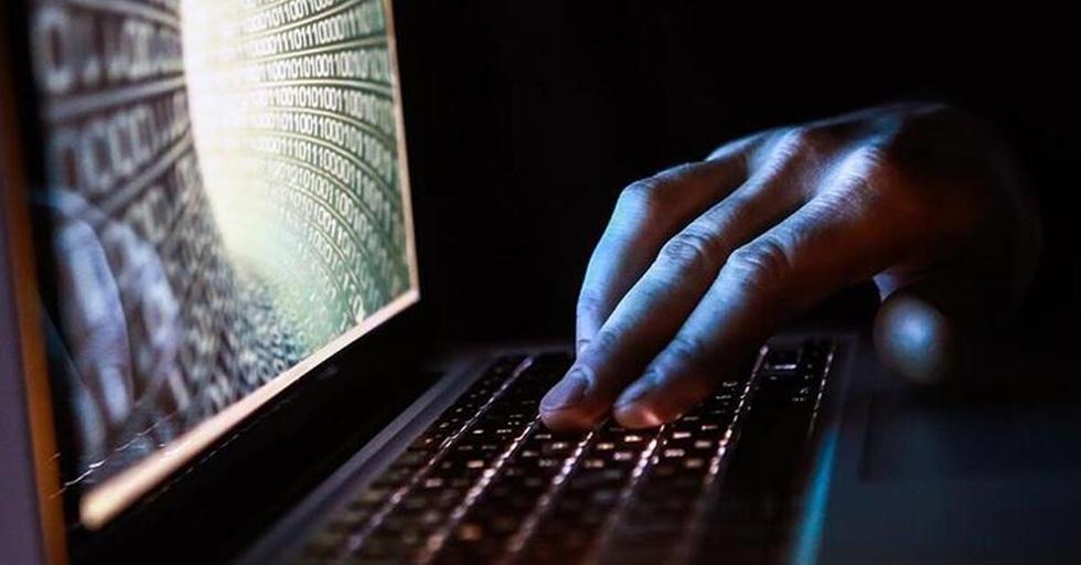 Bilgisayar korsanlarının geniş saldırısı, dünya çapında siber uzmanların ağları savunmak için çabalamasına neden oluyor