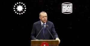 """Cumhurbaşkanı Erdoğan, """"Yaşayan İnsan Hazineleri Ödül Töreni""""ne katıldı"""