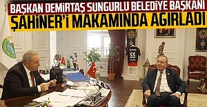 Başkan Demirtaş Sungurlu Belediye Başkanı Şahiner'i Makamında Ağırladı
